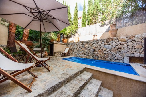 Townhouse in the historic district of Pollensa with pool and ultimate living comfort