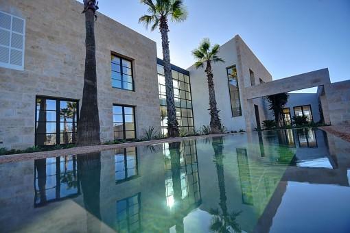 Impressive newly-built villa with sea views