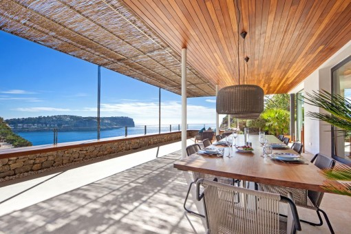 Wonderful terrace with dining area and sea views