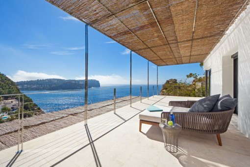 Lounge area on the upper terrace with breathtaking sea views