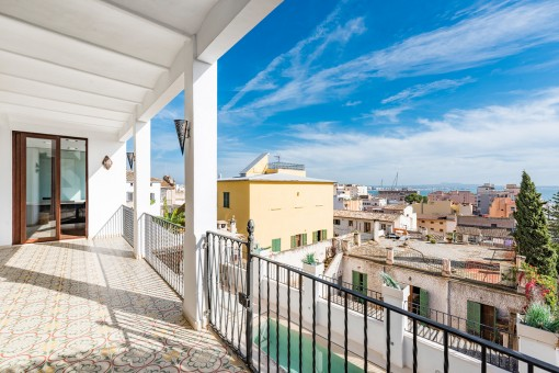 Beautiful, modernised ground floor apartment with sea views in El Terreno, Palma