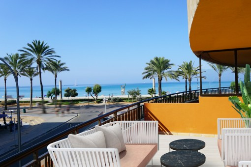 Newly-renovated apartment on the 1st sea line on the Playa de Palma