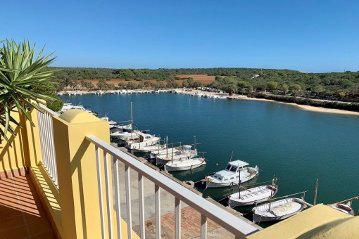 Beautiful townhouse directly on the harbour promenade in Portocolom