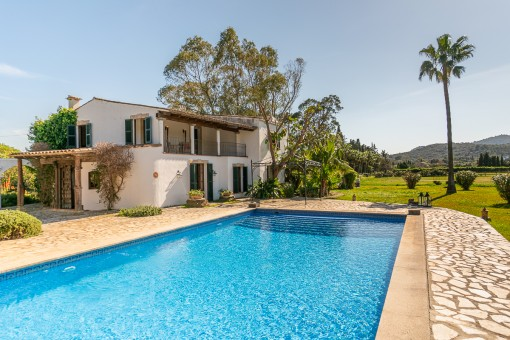 Typical Mallorcan finca in picturesque surroundings with pool only 3 km from Pollenca and the beach