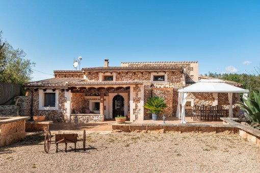 Rustic finca with much charm and with a rental licence for 10 persons in Sencelles