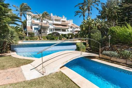 Frontline luxury ground floor apartment in Santa Ponsa