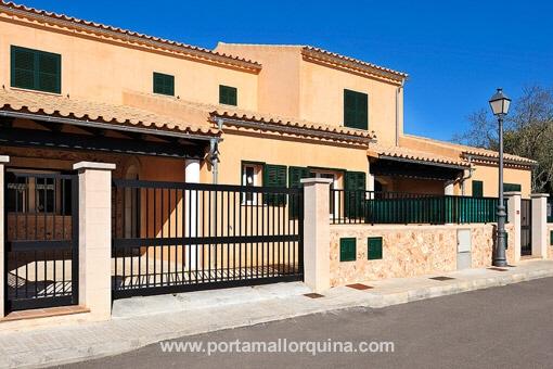 Hus i Pina