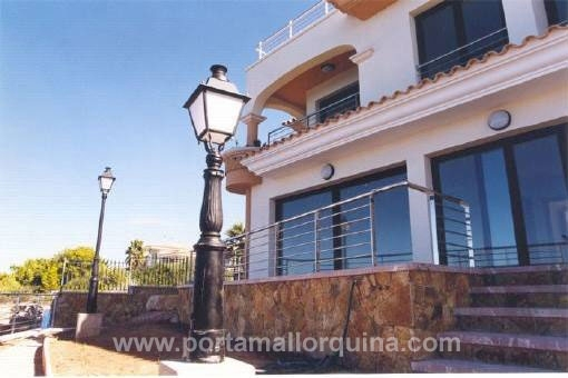 Modern detached house in front line of the sea in Bahia Azul
