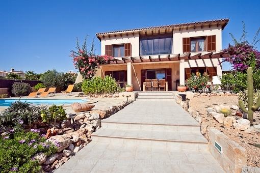 Well-kept sea-view-villa in Cala Pi