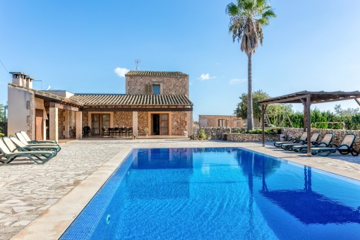 Well-equipped, spacious house in quiet location in Campos