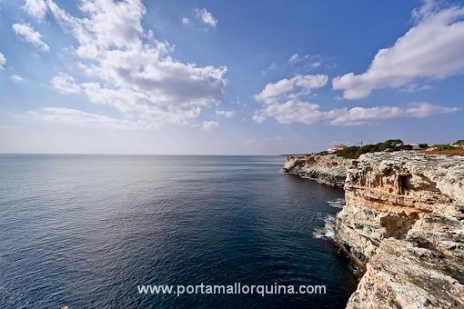 Fantastic corner plot with ocean views - Cala Pi