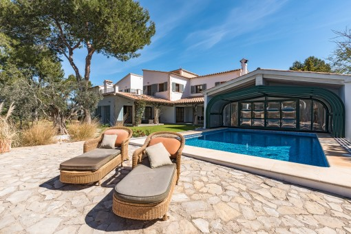 Large luxury villa in country house style in Santa Ponsa