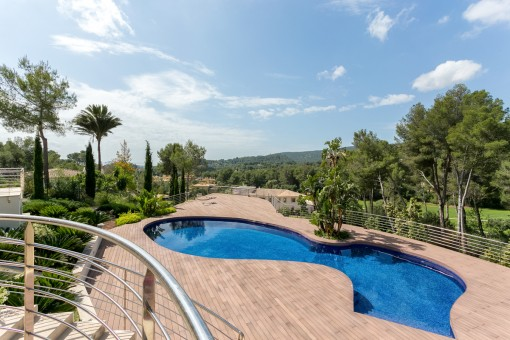 Views of the swimming pool