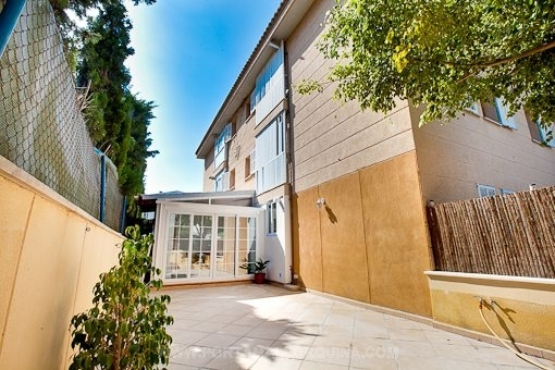 Ground floor apartment with 2 terraces in a very sought after residential area in Bonanova