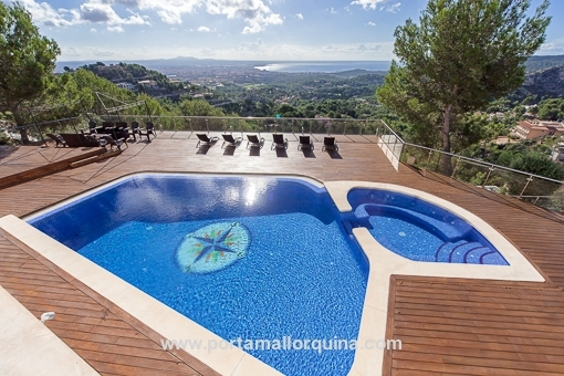 Exclusive villa with spectacular views over the Bay of Palma