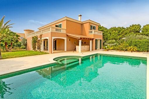 Modern villa by the sea