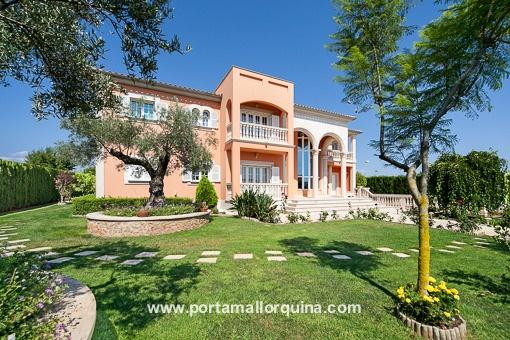 Villa i Palma Surroundings