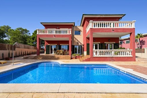 Ample and cozy villa nearby the sea in Cala Vinyas