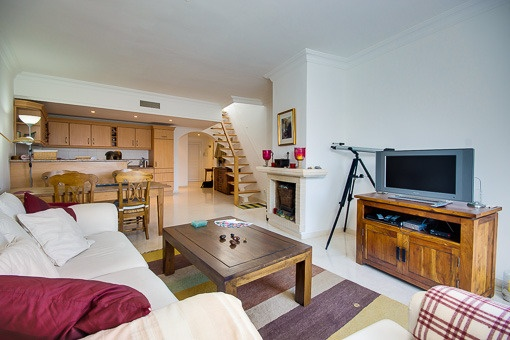 Cosy living and dinina area