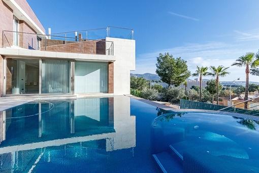 Well-tendet pool