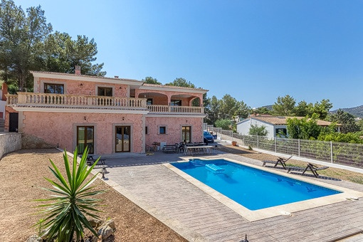 Newly built villa on central location, close to schools and the beach in Palma Nova.