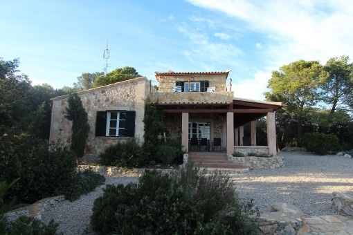 Country house with dreamlike views to the bay of Palma de Mallorca