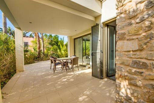 Luxurious ground floor apartment near the sea in Port Verd