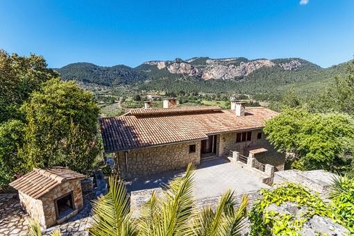 Rustikt hus med drömliknande utsikt i Puigpunyent