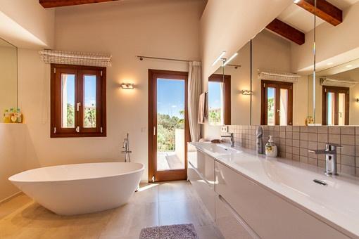 Elegant bathroom with freestanding bath tub
