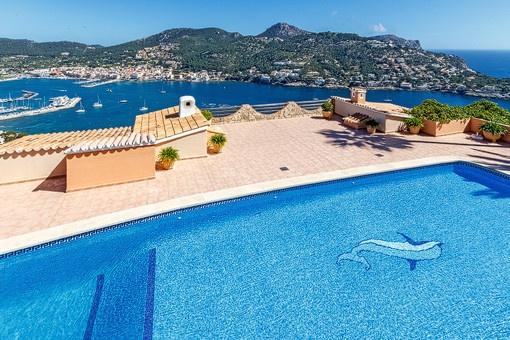 Pool area with extraordinary sea views