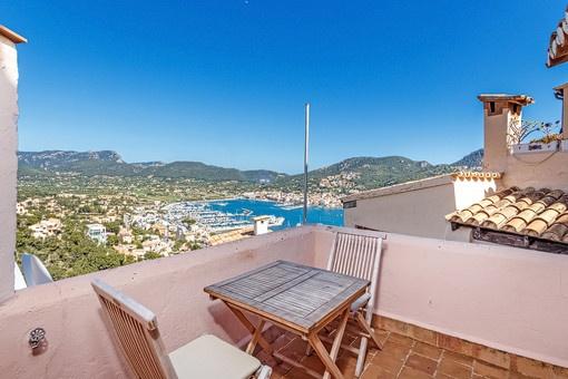 Roof terrace with unique harbour views