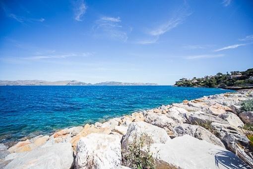 Fantastic location near the sea