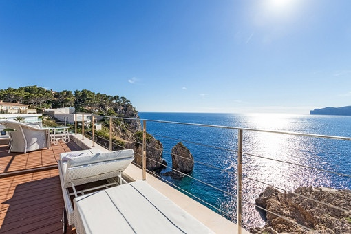 Large terrace of 90 sqm with fantastic view of the mediterranean sea