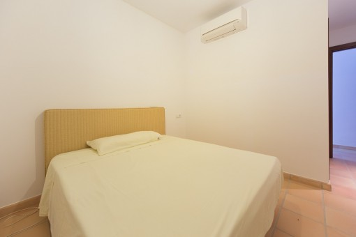 Bedroom with aur condition