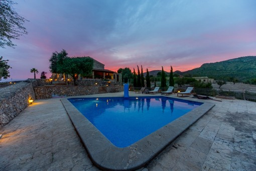 Plot views from the pool