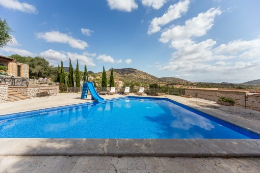 Faboulus landscape views from the pool