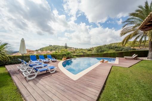 Idylic garden with pool