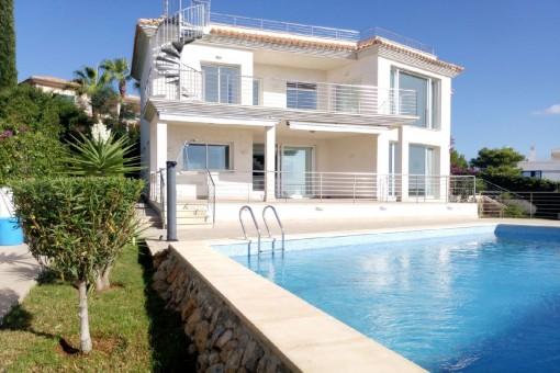 Stunning sea view villa with dreamlike sun terraces in Santa Ponsa