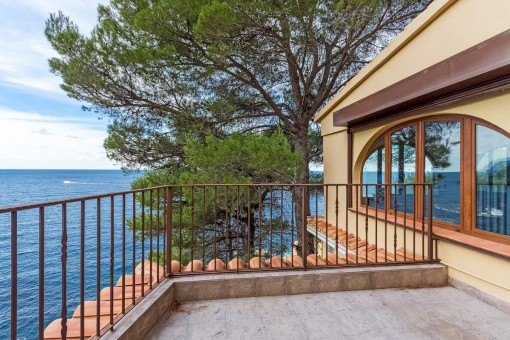 Villa in a spectacular location above the sea in Banyalbufar