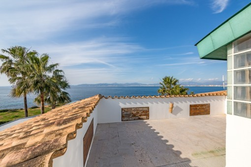 Roof terrace with mediterran sea views