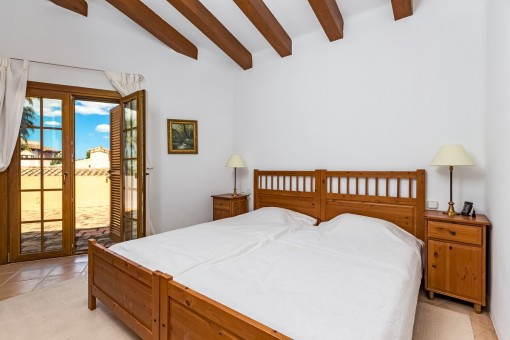 Bedroom of the guest studio with access to terrace