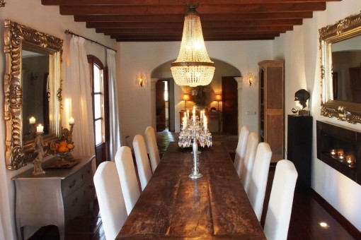 Noble dining area
