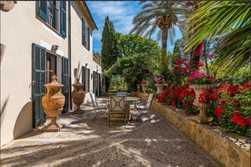 The finca combines tradition and modernity