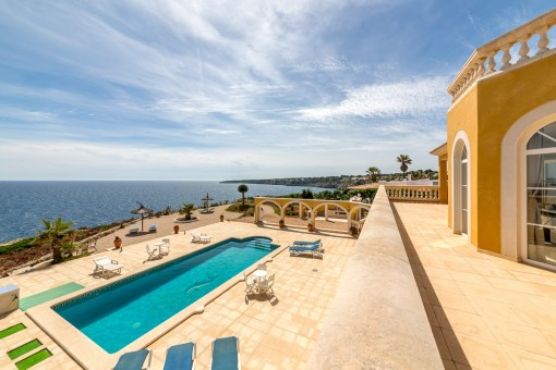 Wonderful Mediterranean villa on the 1st sea line in Cala Pi