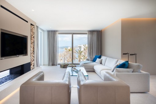 Cosy living area with sea views
