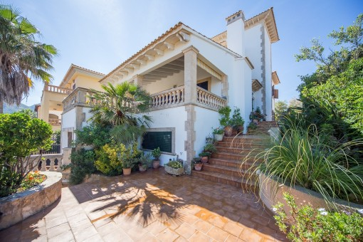 Large villa on the port of Colonia Sant Pere