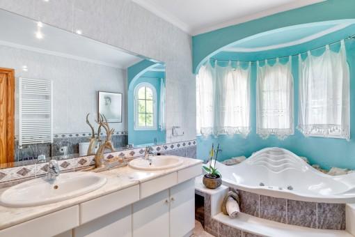 Master bathroom with jacuzzi