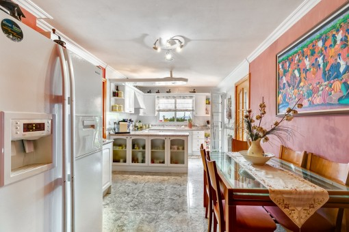 Open kitchen with dining area