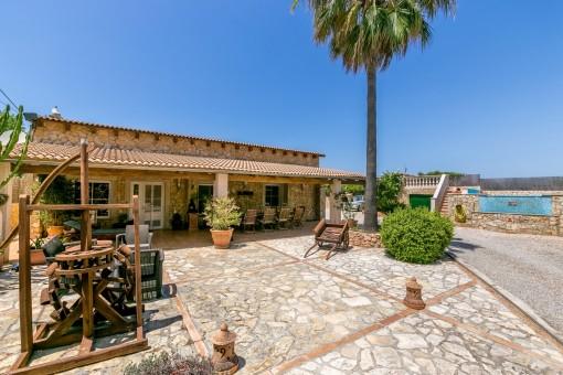 Charmante Finca mit Palmenallee, romantischem Garten und Pool unweit von Llucmajor