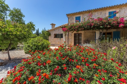Wonderfully tranquil Finca with panoramic views and large pool very close to Moscari (Selva)